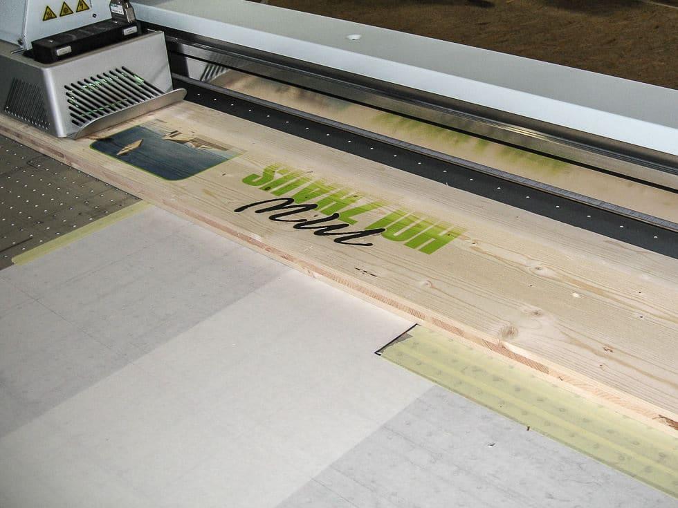 UV Direktdruck auf Holz