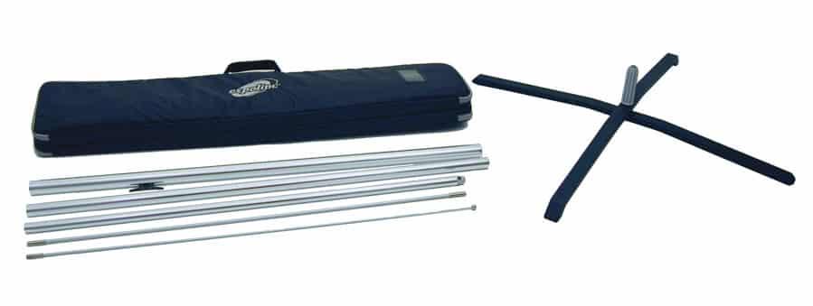 Expolinc Flag System mit Kreuzfuß und Flaggenmast inklusive Transporttasche mit Tragegriff.