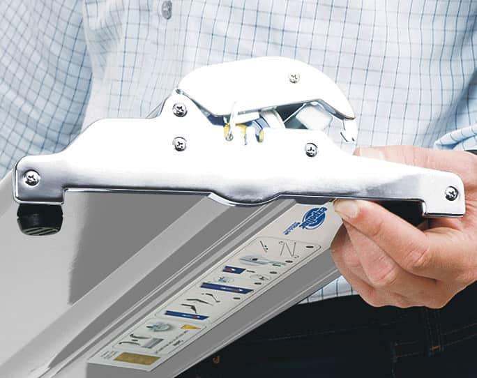 Expolinc Roll Up Professional - Ein Knopfdruck genügt – und die Grafik kann ausgetauscht werden.