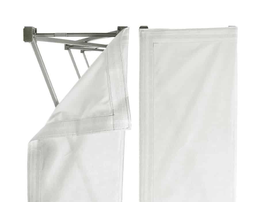 Expolinc Soft Image - Der Textildruck wird mit einem praktischen Klettband befestigt, wahlweise an der Vorderseite oder zusätzlich an den Seiten.