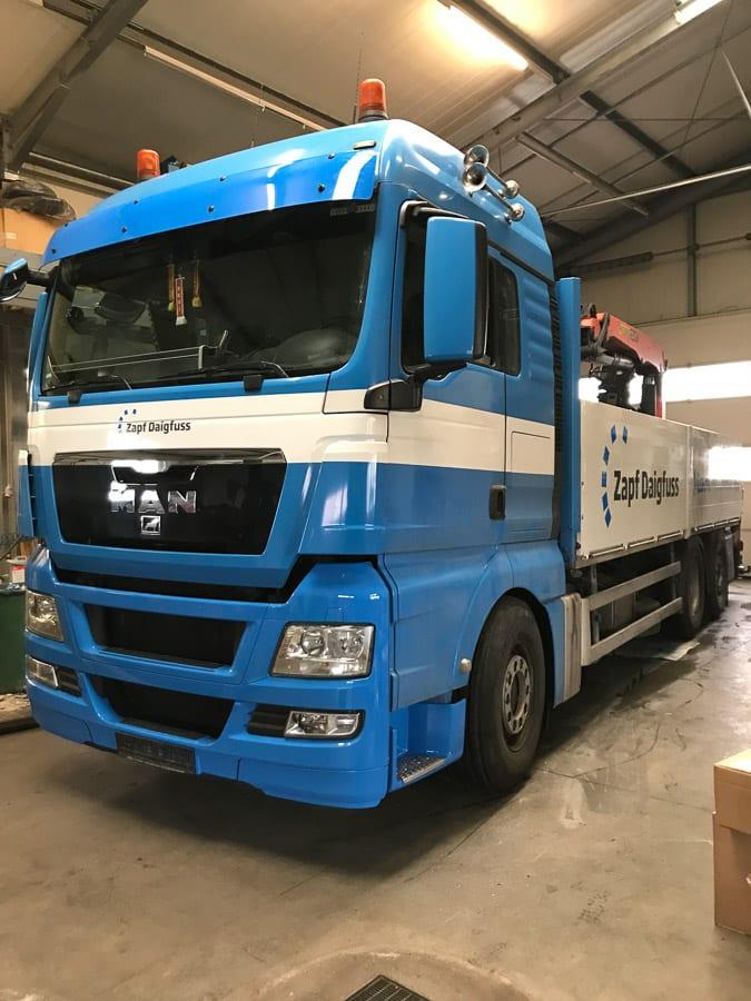 LKW Beschriftung Fahrzeugbeschriftung
